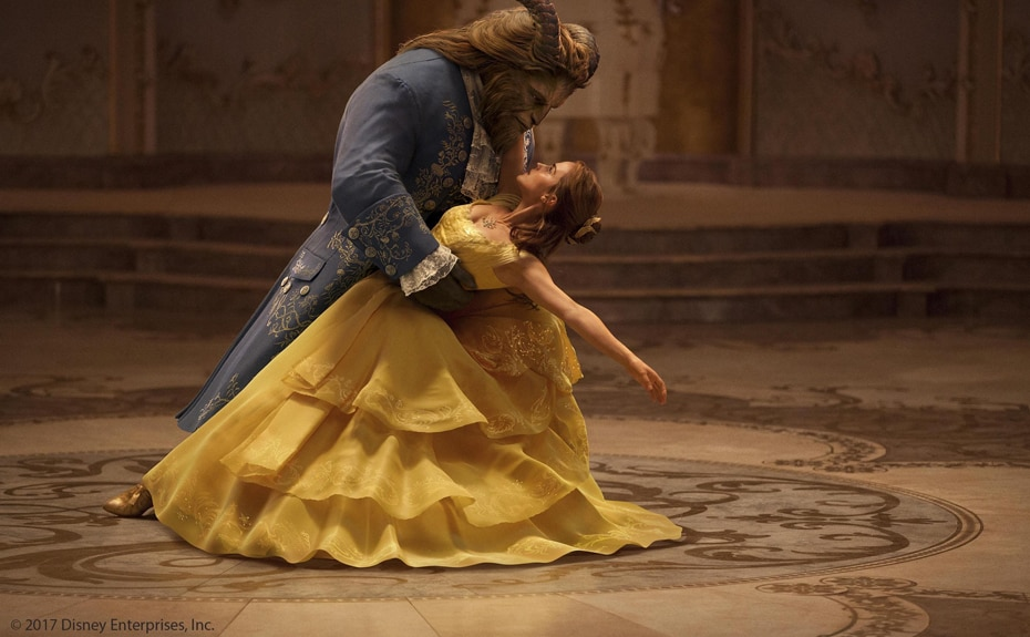 "Scene image from the movie ""BEAUTY AND THE BEAST(2017)"""